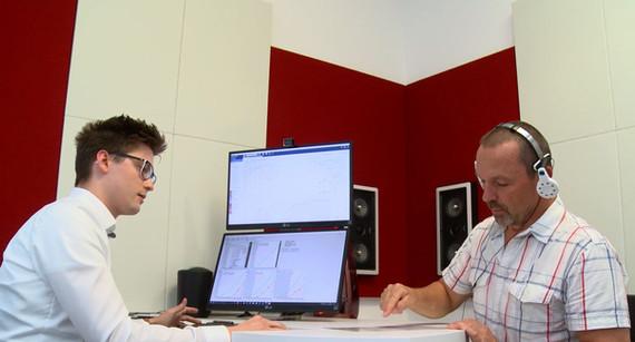 Neben der Ton uns Sprachmessung ermittel wir darüberhinaus die individuelle Lautstärkeempfindung