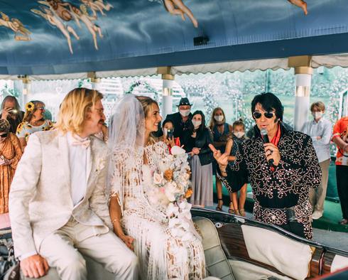 little white wedding chapel elvis