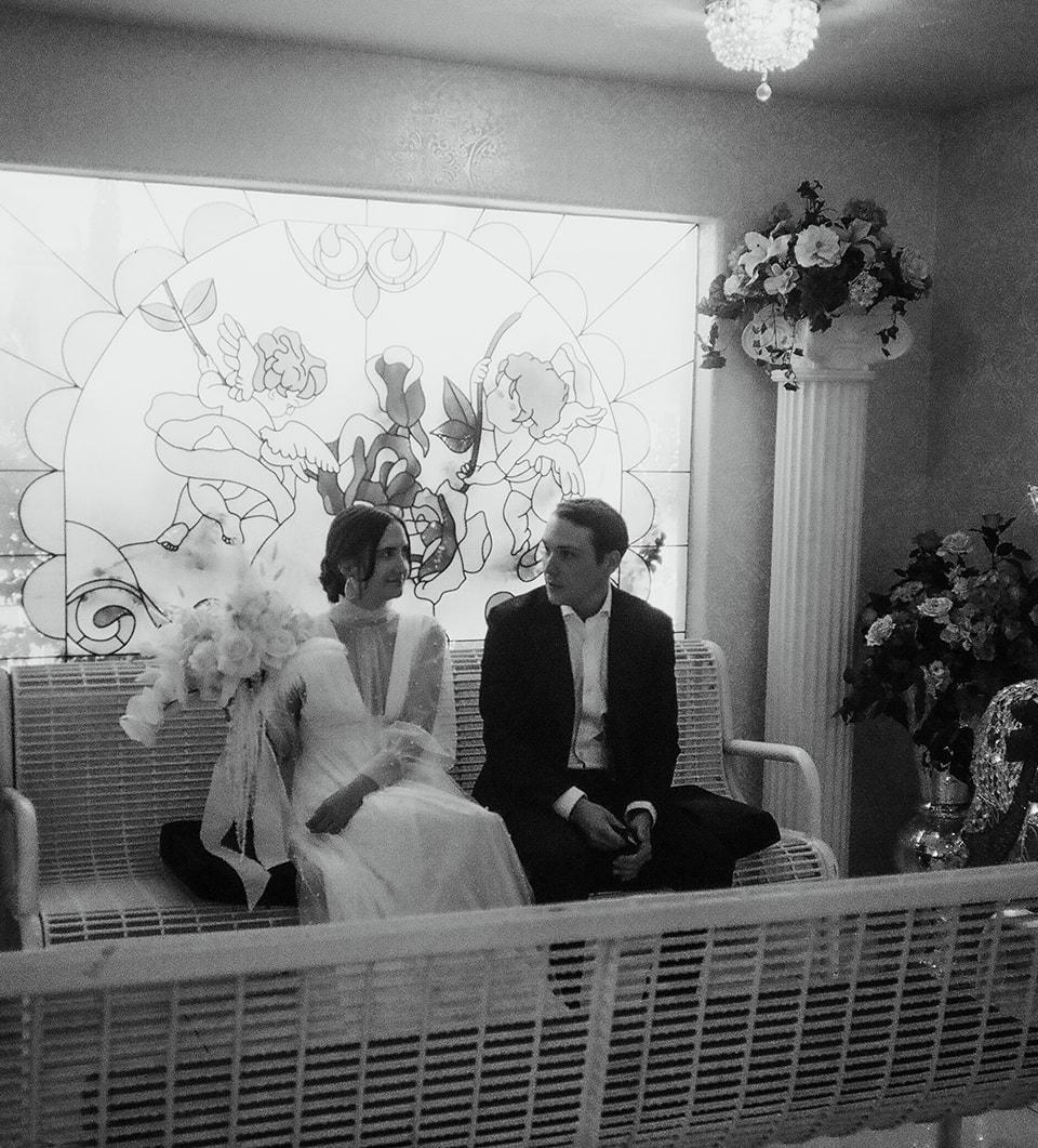 Photos by Andi Artigue Photography  Instagram @andi__artigue   A Little White Wedding Chapel in Las Vegas, Nevada