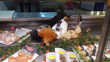 Volailles de Bresse au marché Windsor de Neuilly