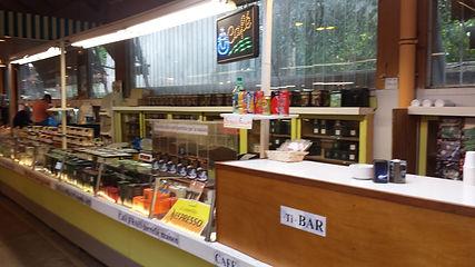 Petit bar du marché Windsor à Neuilly