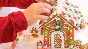 GINGERBREAD & BREAKFAST | Gingberbread Decorating with Santa in Oak Brook