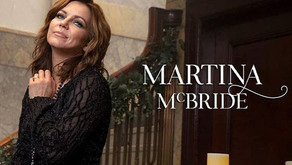 MARTINA MCBRIDE | Performing the Joy of Christmas at Rialto Square Theatre