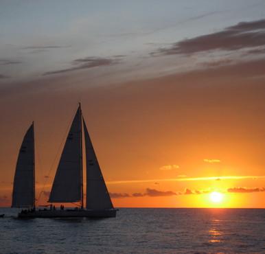 Romantic sailing barcelona