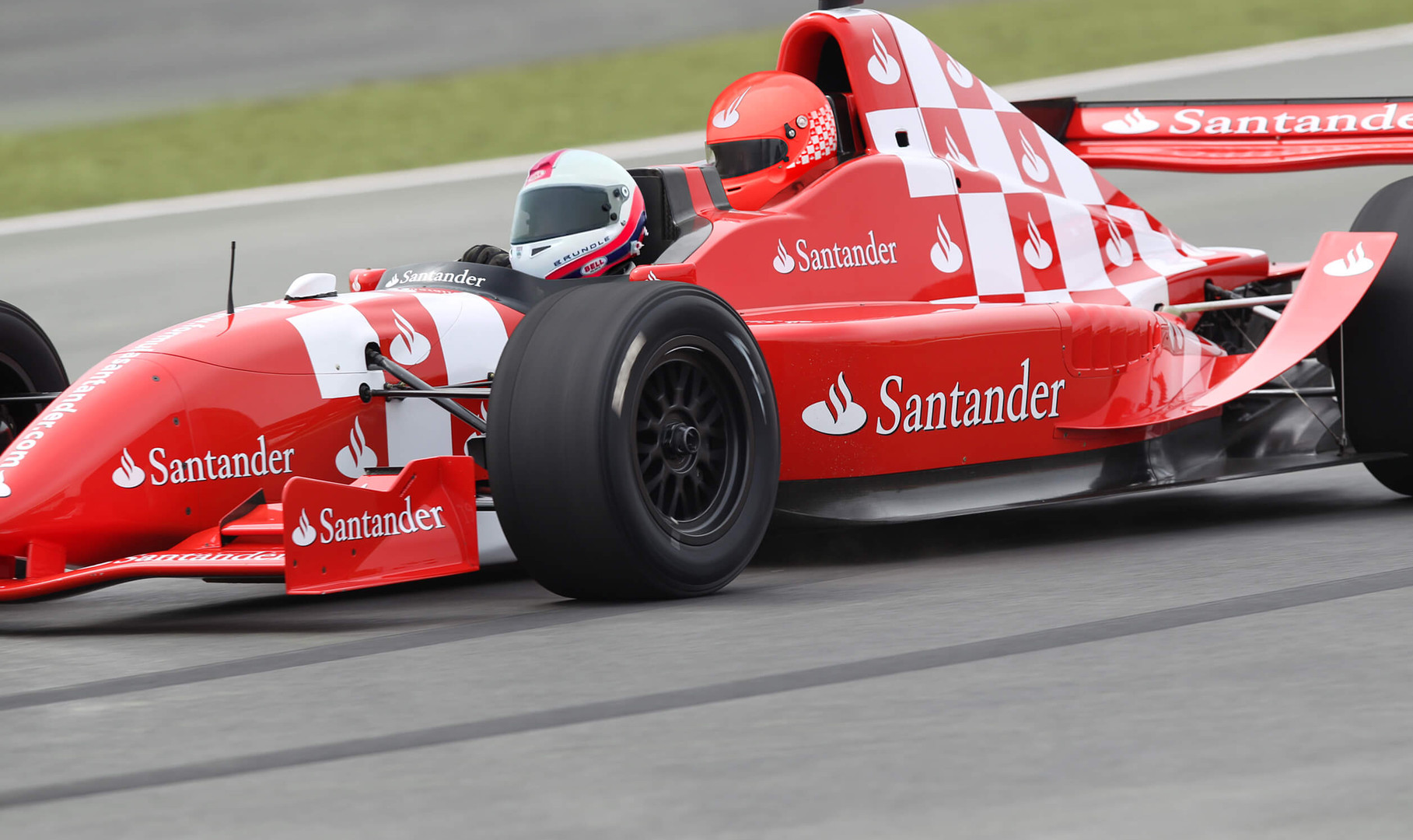 TWO-SEATER FORMULA1 CAR