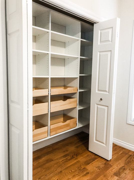 Floating Pantry