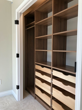 Home Office, Open drawers, scoop drawers