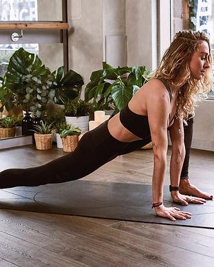 woman-flexing-her-legs-1882005.jpg