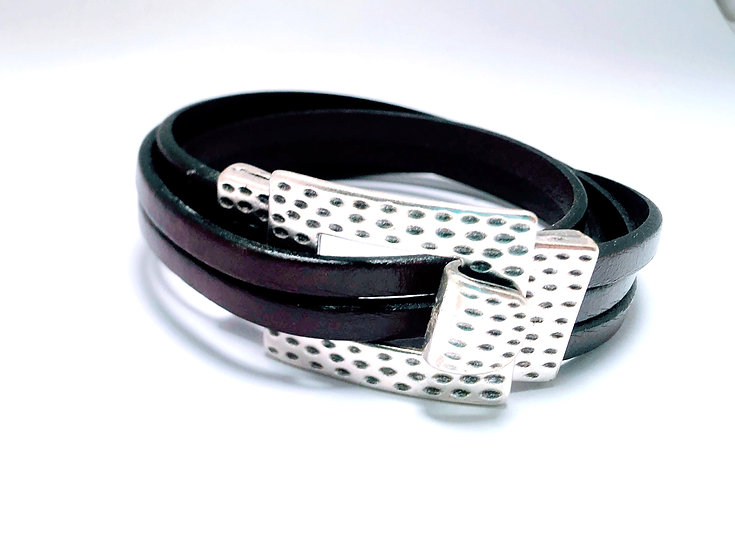 Double wrap buckle
