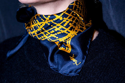 Yves Saint Laurent Foulard