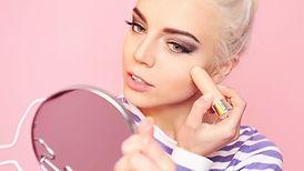 Makeup%20Vlogger%20_edited.jpg