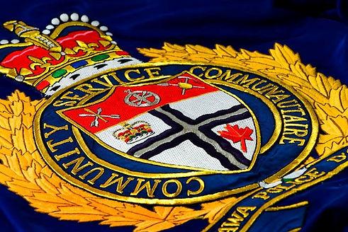 2017-ottawa-police-badge-generic1.jpg