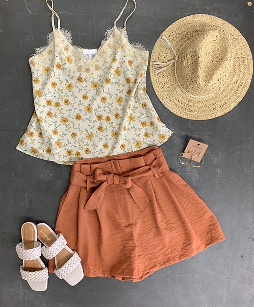 belted pleat shorts