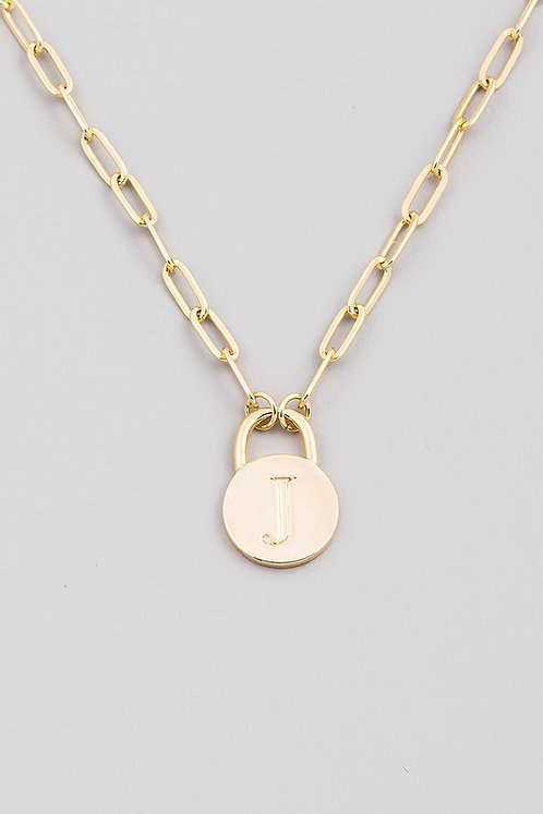 chain link initial necklace   J