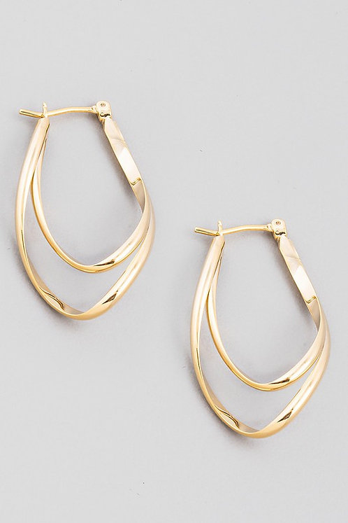 layered wavy oval hoops
