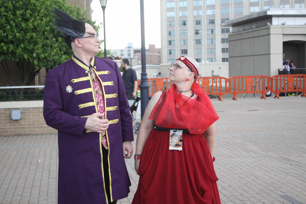 A Centauri couple try to navigate the confusing streets of Hartford Downtown.