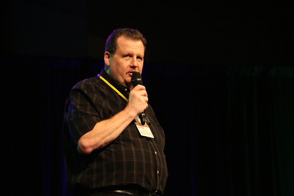 Art addresses his audience at Conncticon 2017