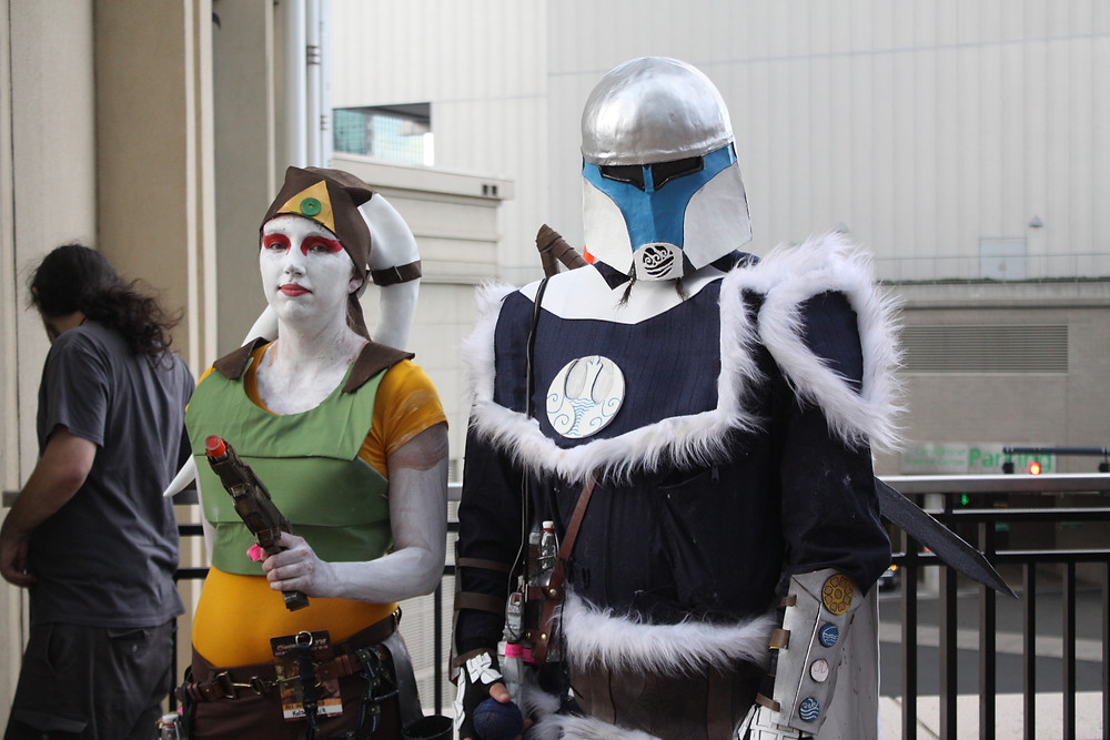 Twi'lek bounty hunter and Mandalorian warrior