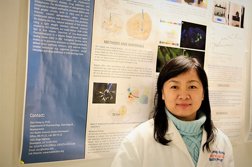 Xinli's study was selected a Hot Topic at   Society for Neuroscience meeting at Chicago.