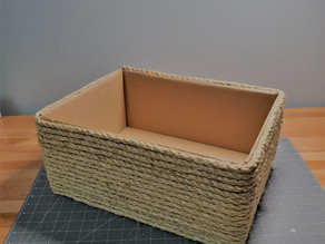 How to : turn a shipping box into a useful basket