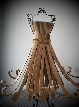 Mini Cardboard Dress 02- ©AlinesCardboard – 2018
