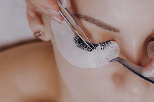 eyelash-extensions-near-me