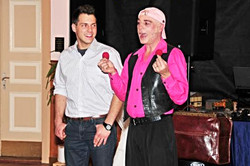 Zauberkünstler GayLord mit Assistent
