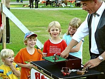 Zauberer Tonga Kinderzaubershow & Flohzirkus