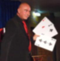 Zauberer u. Zauberkünstler Tonga aus Kiel Three Card Joe Monti