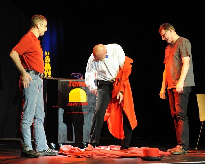 Zauberer Tonga Entfesselung