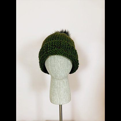 Beanie : forest green with pompom