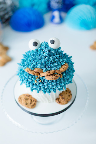 Cookie Monster Themed Cake smash