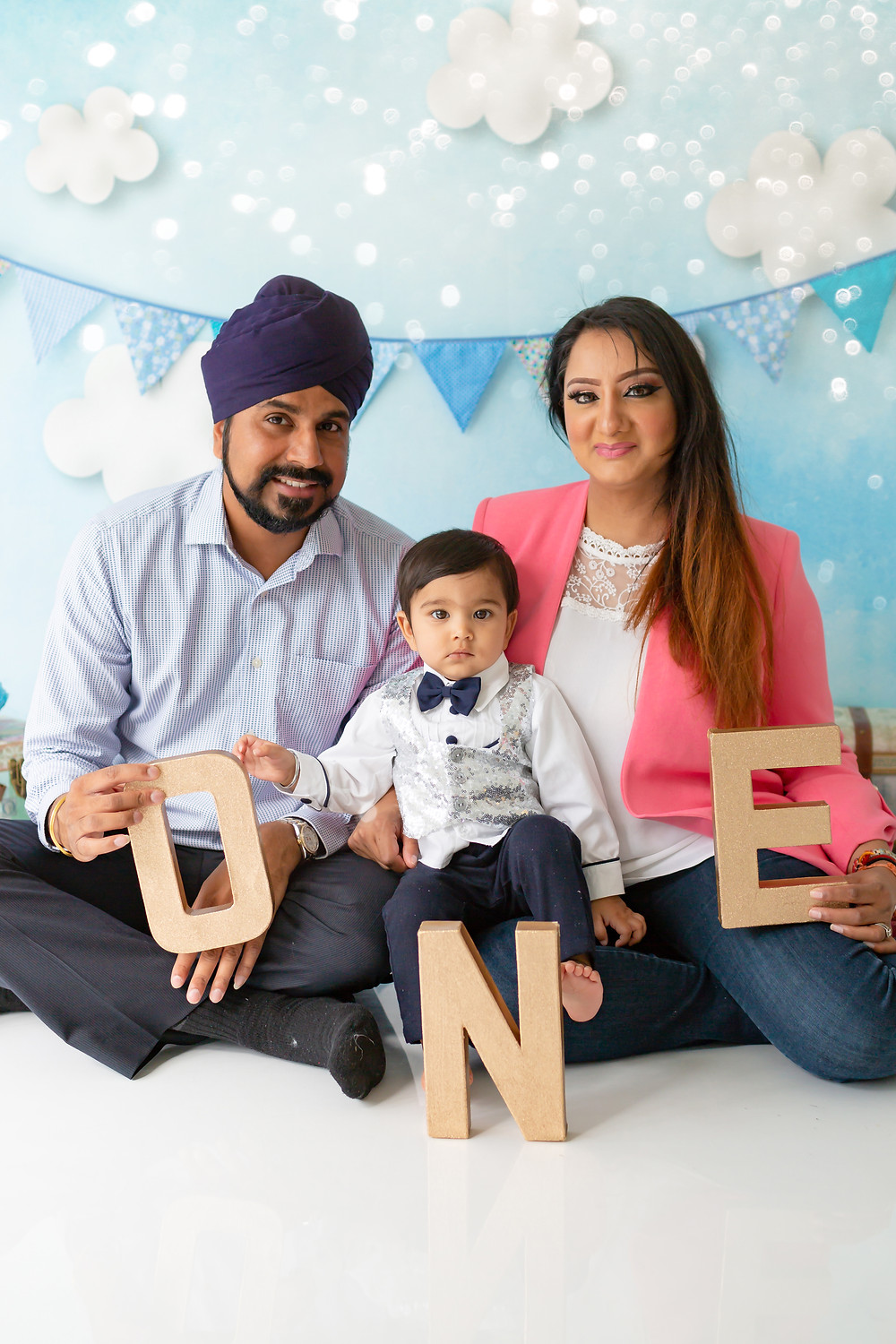 smash cake photography, Baby Photographer in London, family moments are the best!, Little boy is turning one years old!