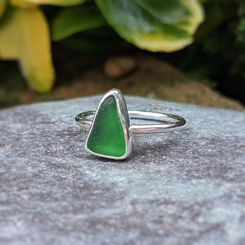 Green triangle Ringstead seaglass ring