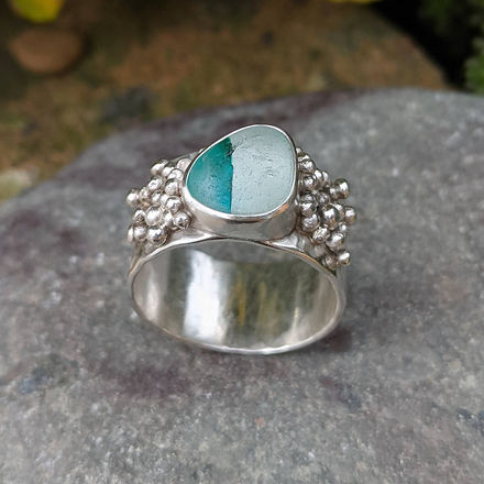 Granulated seaglass ring