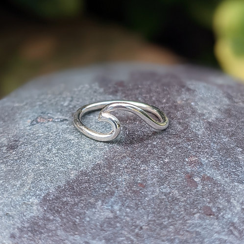 Surfgirl Wave Ring