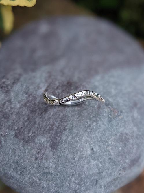 Ripple textured ring