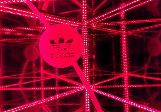 Adidas Store Infinity Mirror Display