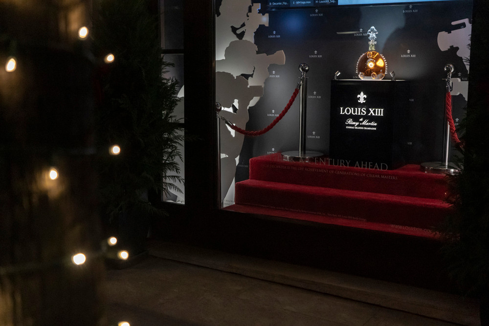 Louis XIII Paparazzi Flashing Display