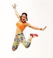 Esther Jiménez saltando