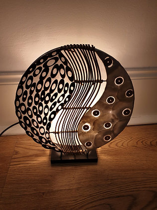 Round Shell & Rattan Table Lamp