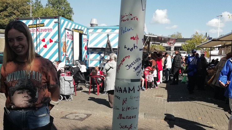 Names in different languages in Delfshaven's market