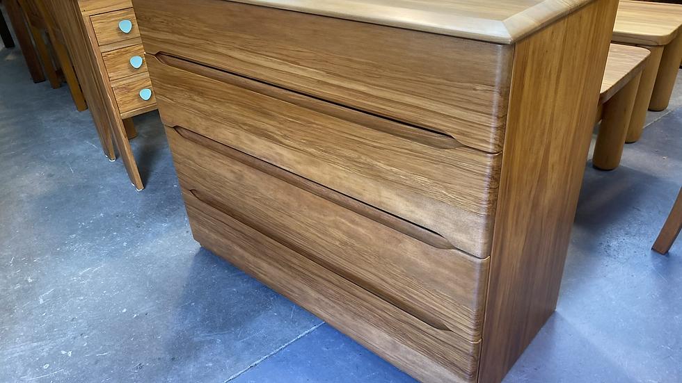 Design mobel rimu and rimu veneer 4 drawer lowboy!