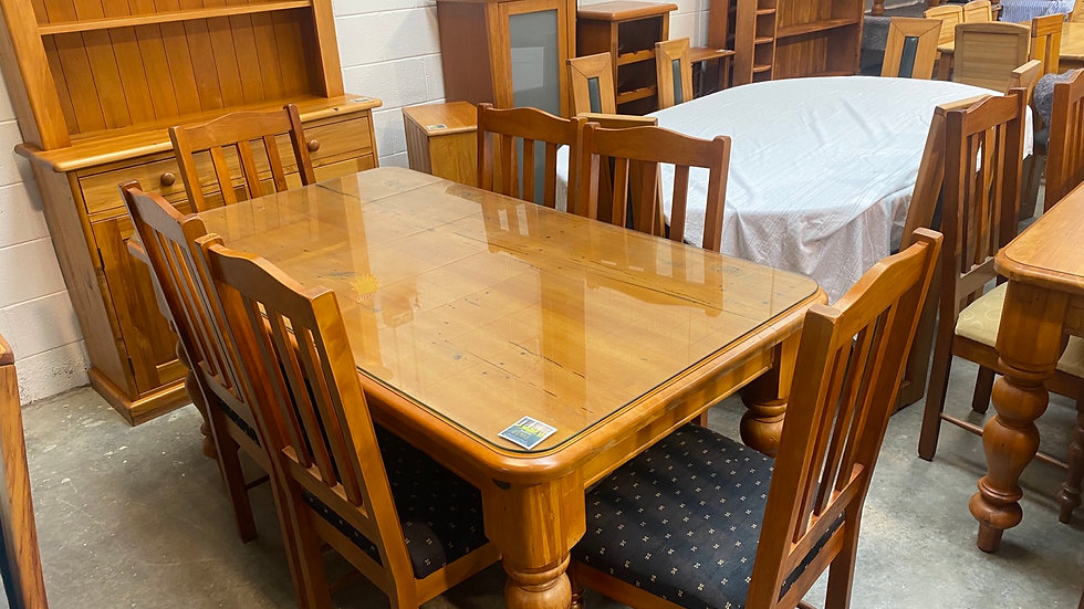 Woodpeckers 7pcs dining suite!