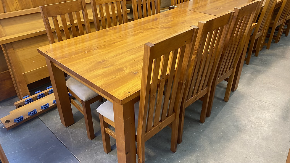 Woodpecker solid recycled rimu 7pcs dining suite!