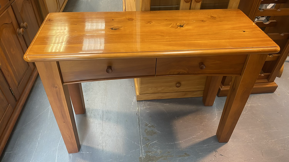 Solid rimu hall table!
