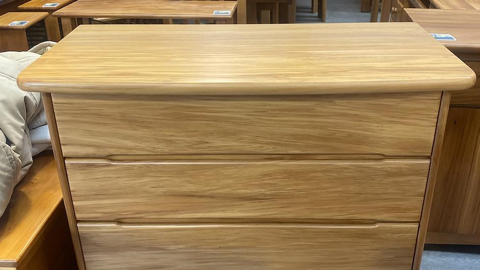 Modern solid rimu 4 drawer lowboy!