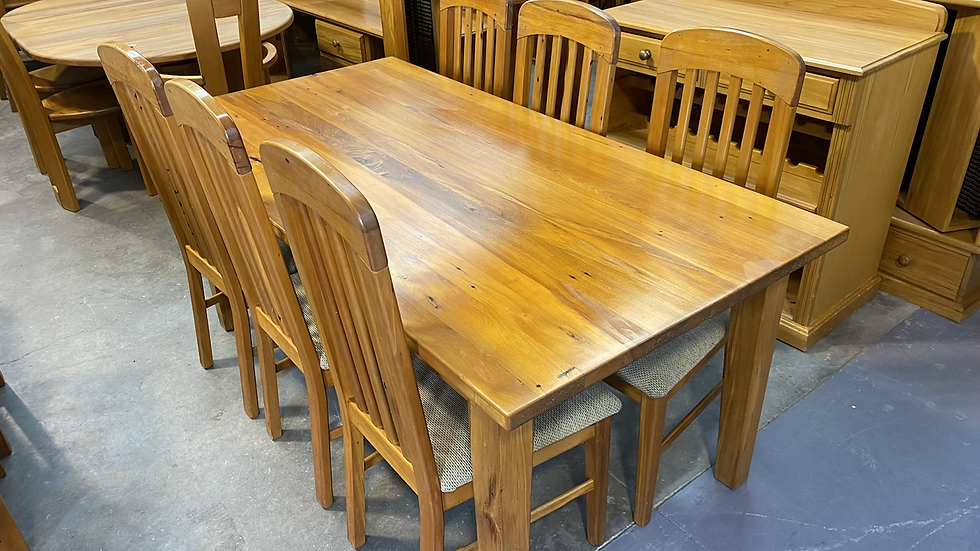Solid recycled rimu 7 pcs dining suite!