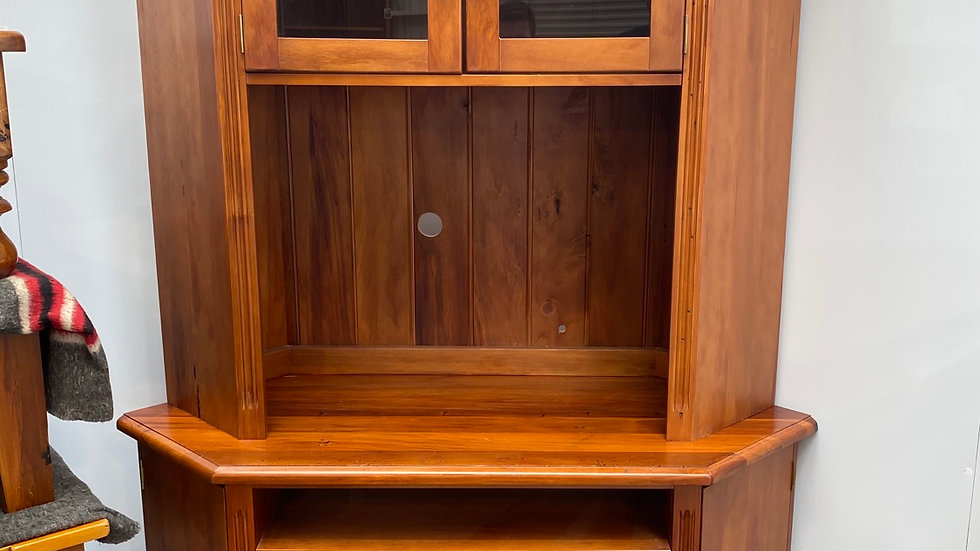 Woodpeckers solid recycled rimu corner unit!