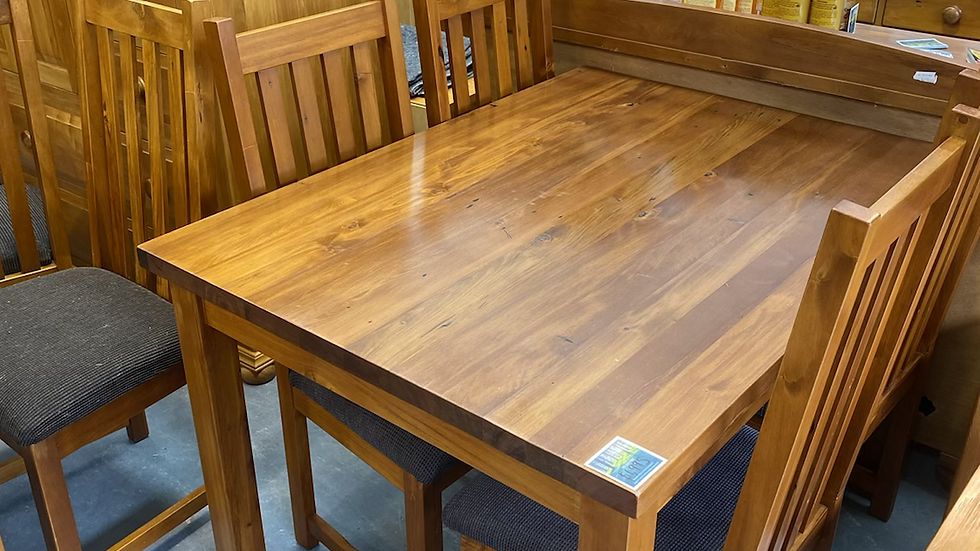 Woodpecker solid recycled rimu 5pcd dining suite!